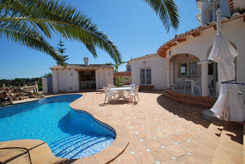 ferienhaus moraira f r 6 personen ferienhaus in spanien mit meerblick und privatem pool casa franca. Black Bedroom Furniture Sets. Home Design Ideas